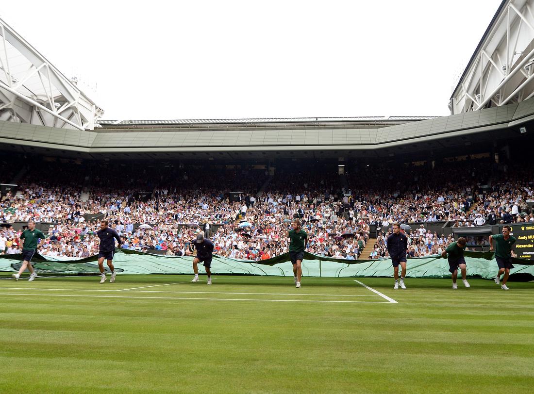 Wimbledon 2017 Day 1, Centre Court rain
